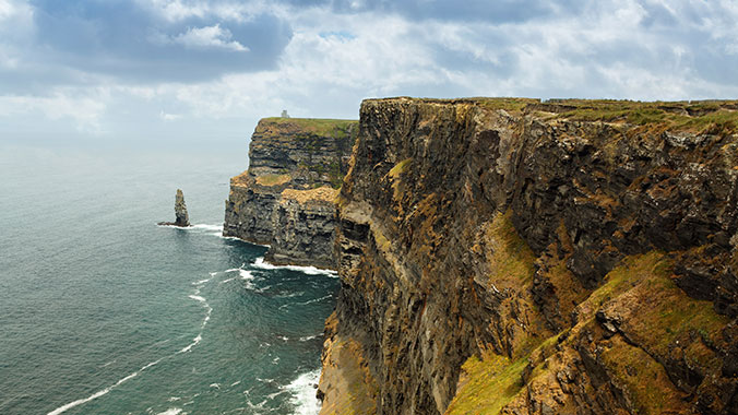 Enchanting Ireland: Town and Country