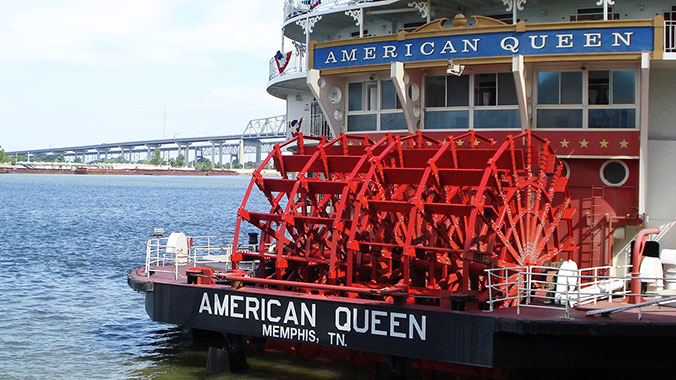 The Golden Age of Steamboating: Pittsburgh to Cincinnati on the American Queen