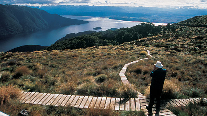 New Zealand: Land of Geysers and Greenstone