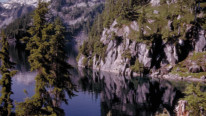 The Cascade Loop: Hiking the North Cascades and Methow Valley